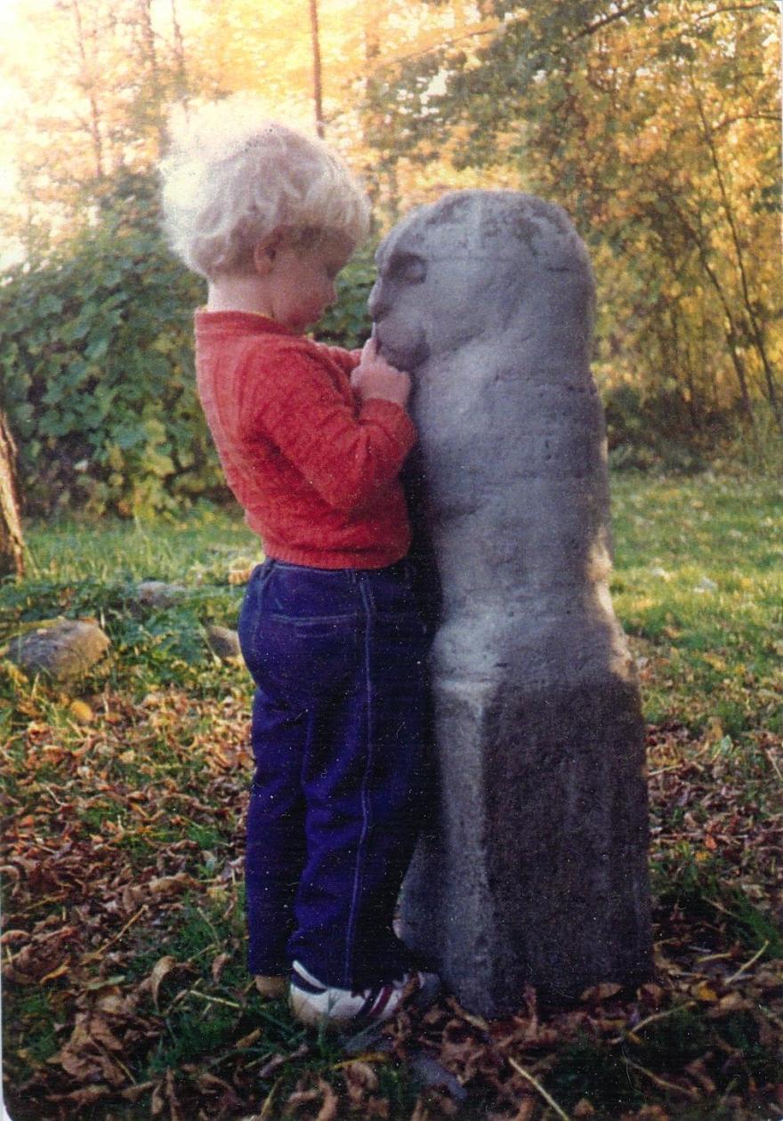 15-lionowl-with-sculptors-grandson